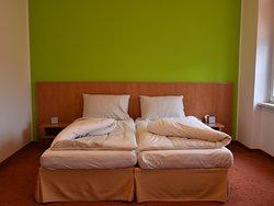 Schlichtes Doppelzimmer