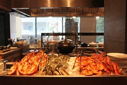 Enjoy our seafood on ice selection at our First Saturday Brunch of the month.
