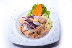 Ceviche La Revancha <<Los mejores platos criollos y marinos solo en La Revancha Restaurante>>
