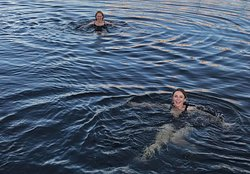 Ice swimming in the Oslo fjord after sauna