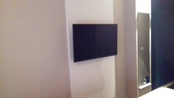Tv anclada a la pared