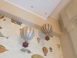 Quirky room decor - balloon wallpaper - and balloons!