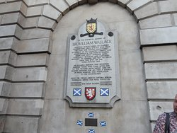 One of the last stops on the tour is (near) the site where William Wallace (Braveheart) was executed.