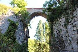 Park of Buttes-Chaumont,  Pont et vallée , bridge and valley
