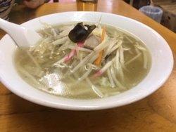 タンメン。とてもしょっぱかった!また、肉も2切ぐらいしかなくこれで850円は昭和から逸脱している。