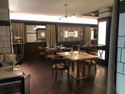 Notable restaurante en fantástico hotel en Chueca