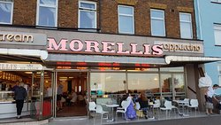 Morellis shop front