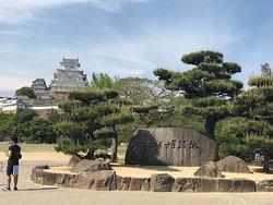姫路城とその周辺をまとめて姫路公園と言うらしいです