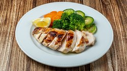 """""""Chicken breast"""" With oxymelo icing & baby sauté vegetables or fresh French fries  Give us a call 📞 we deliver 21 5555 9295."""
