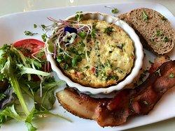 Crust-free Mediterranean quiche