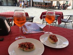 Aperol Spritz and Bruschetta