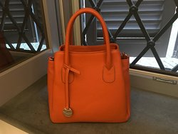 Stunning bag in beautiful soft leather.