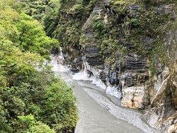 Marble walls,  Baiyang waterfall trail