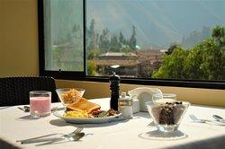 Disfrute del amanecer con un delicioso desayuno y una vista espectacular!