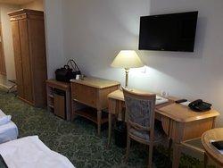 Zentral gelegenes schönes Hotel, preiswert und sehr gut.