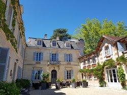 Château de Lalande Perigord cour intérieure