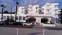 Grand Riviera Hotel,