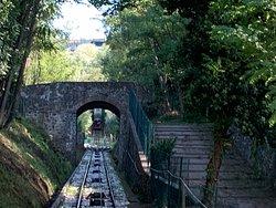 De route met de funicular omhoog heeft op het laatste een helling van 38%