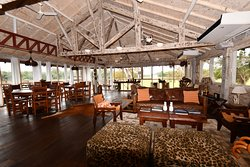 Cordilheira Lodge dining room / lounge