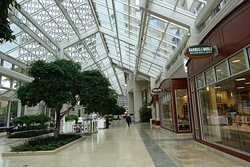 Mall level full of (empty) shops