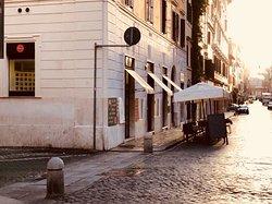 Borgo Pio angolo Via del Falco
