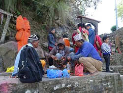 Pilgrims offering their tributes to The Lard Hanumaan