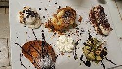 Assaggi di dolci di nostra produzione / Homemade dessert platter