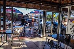 Makhelwane Restaurant