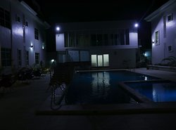 This night view makes me want to spend all the night here enjoying  fresh air and breath.