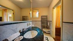 Room 232 bathroom