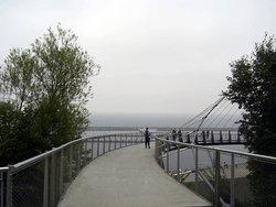 Das ist oberhalb, vom Hafen-Gebiet, zu sehen...