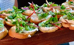 Dove Restaurant & Dragonfly LoungeL