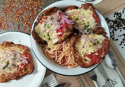 Spaghetti Marinara com Porco alla Parmegiana - Share your Food for 4