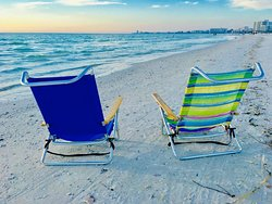 Direct beach access at the shores of Crescent Beach in Siesta Key