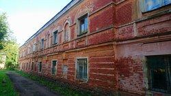 Десятинный монастырь. Южный сестринский корпус постройки 1845 года.
