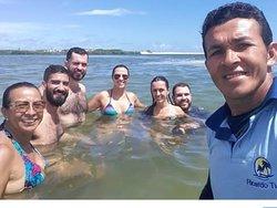 Um dos nossos pontos diferenciado, em um banco de areia entre Sergipe e Alagoas na Famosa ilha da griminosa pra tomamos um dos melhores banho de todo litoral sul alagoano!   Contato (82)993474800 Watts