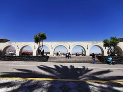 En La Cuesta de Angel, plaza Mayor de Yanahuara