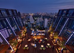 Spectrum Lounge & Bar | Hyatt Regency Bangkok Sukhumvit - Direct Access to BTS Skytrain, NANA station (Exit 3)