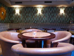 The upper deck, perfect for private parties or group lunches.