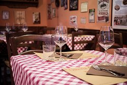 A Firenze la bistecca è un simbolo. Anche noi che la serviamo, da 50 anni!!!