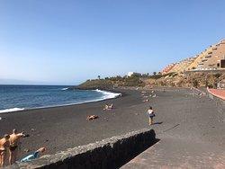 Отличный пляж для спокойного отдыха