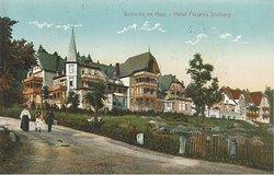 """Das Plakatmotiv der Sonderausstellung """"Vom Hüttenort zum Wanderparadies - 350 Jahre Schierke"""" zeigt das Hotel Fürst Stolberg in Schierke vor dem ersten Weltkrieg."""" (bis 11. Januar 2020)"""