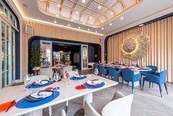 Гостиная зона ресторана YURA