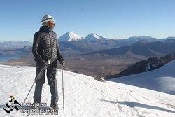 Escalando el Acotango 6052 msnm.