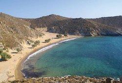 Spiaggia di Psili Ammos che si raggiunge dalla baia di Stavros con una camminata di circa 30 minuti o con il battello dal porto di Skala
