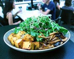 Fresh Herb Salad w Mushrooms & Tofu