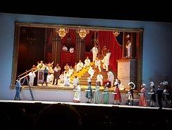 Опера «Путешествие в Реймс»