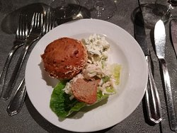Muffin - Frischkäse - Kräuter Sellerie-Apfel-Salat