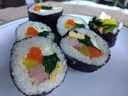 #4. Bul-go-gi Gim-bob(beef Koreanrice rolls)