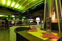 Restaurant extérieur, Terrasse semi couverte